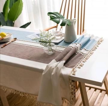 Хороший вопрос: Принято ли стелить скатерть на стол дома