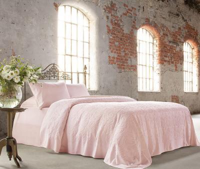 Комплект постельного белья Tivolyo home Baroc +покрывало Tivolyo home Baroc розовый