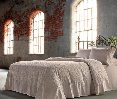 Комплект постельного белья Tivolyo home Baroc + покрывало Tivolyo home Baroc бежевый