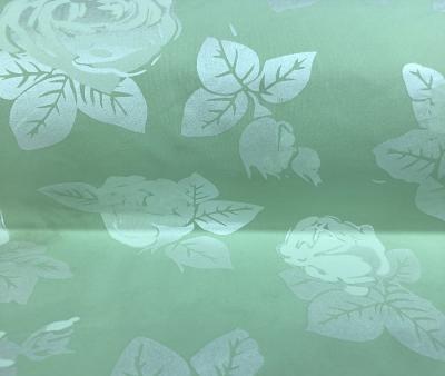 Розы на зеленом